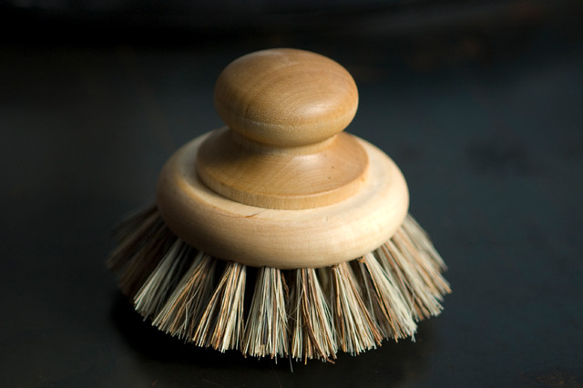 cleaning eclectic-mops-brooms-and-dustpans