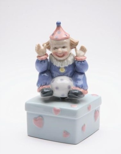 5.125 Inch Clown Sitting with Ball on Square Box with Hearts Figurine midcentury-holiday-decorations