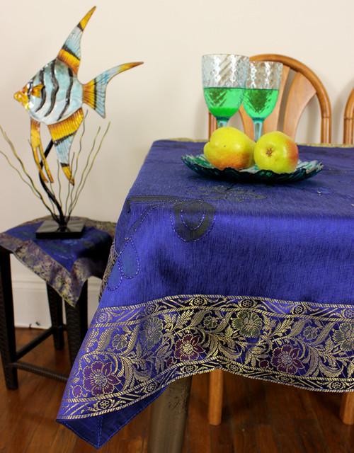 Unique & Decorative Tablecloths - Modern
