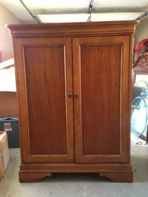 Change The Door Swing On This Cabinet
