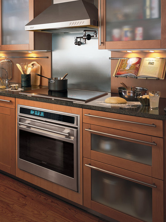 """Wolf L Series 30"""" Single Electric Wall Oven, Classic Stainless Framed 