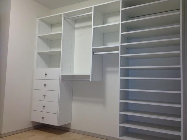 Closets traditional-closet