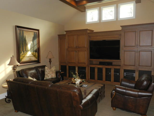 Sammamish Home traditional-home-theater