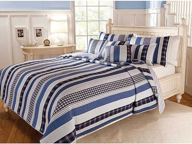 Cameron Contemporary Blue and White Cotton Striped 3-piece Quilt Set contemporary-quilts