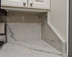 Granite Full Backsplash Side Panel Design: Geometric contemporary