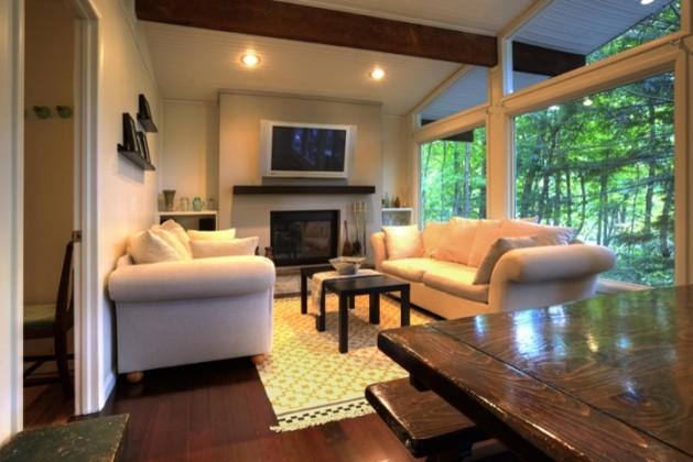 Boxwood Circle family-room