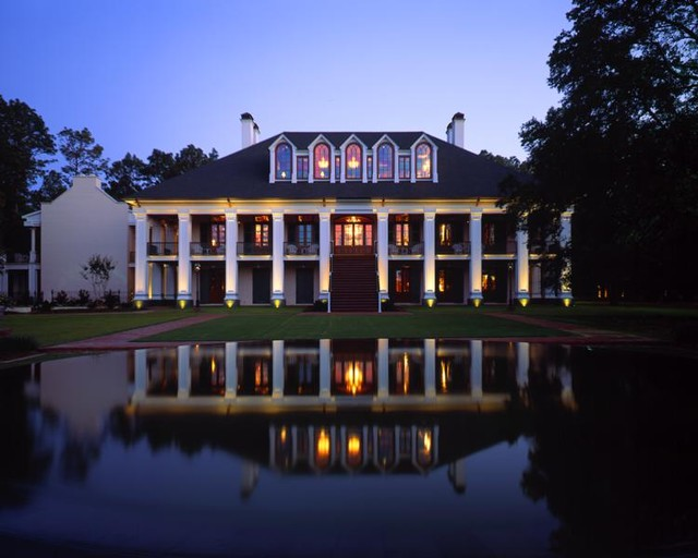 Southern Mansion traditional-exterior