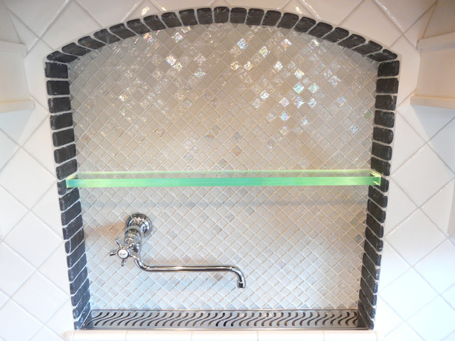 Stove Niche - Pot Filler and Display Shelf modern-kitchen