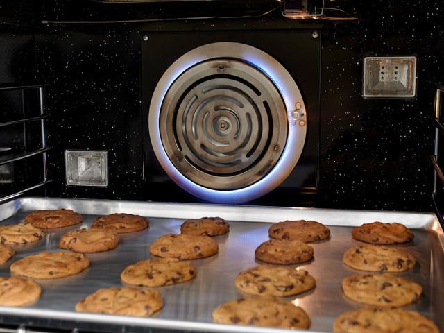 BlueStar Platinum Series:PowR Oven™ technology modern-gas-ranges-and-electric-ranges