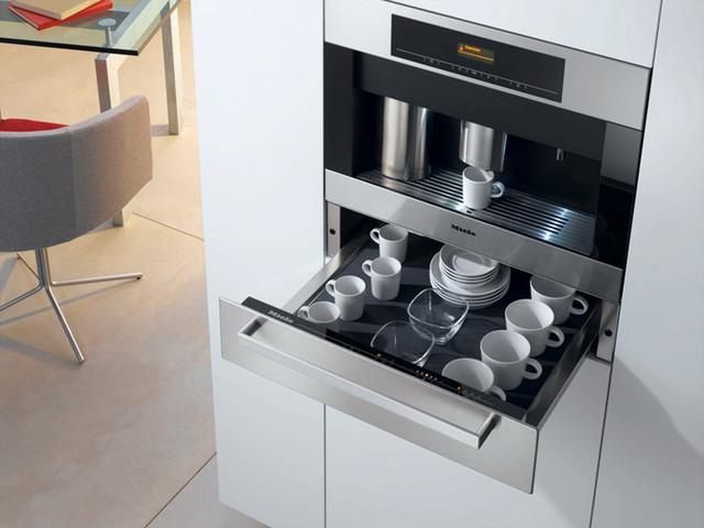 Plumbed Coffee Maker With Grinder : Miele CVA4066 24