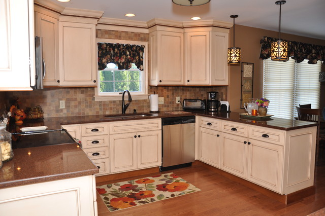 Semi Custom Medium Sized Kitchen Traditional Other