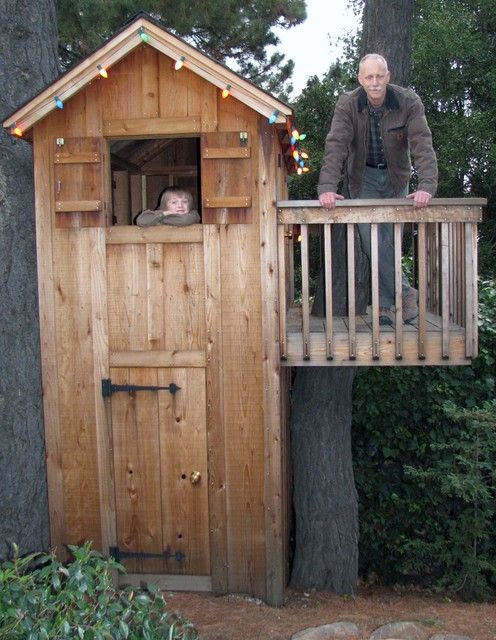 Tree fort big enough for sleeping by Bay Area contractor traditional-kids