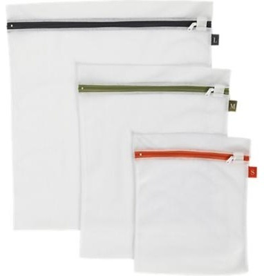 Set of 3 Washing Bags contemporary-artwork