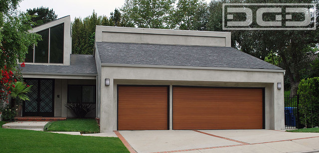 Modern Garage Doors | A Minimalistic Yet Contemporary Design for ...