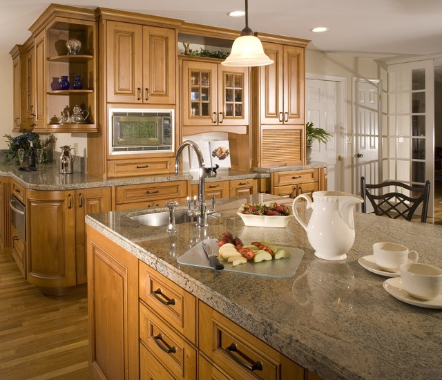 Cottonwood Cabinets traditional