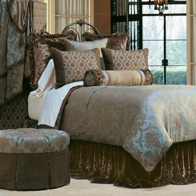 Foscari traditional bedding