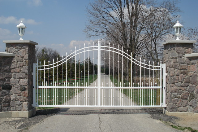Driveway Gates - Traditional - Home Fencing And Gates ...
