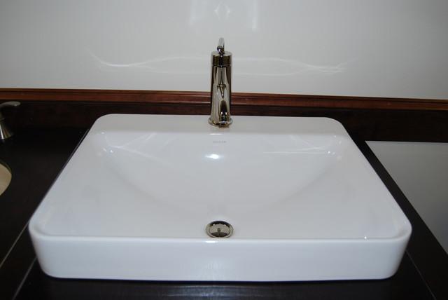 Showroom bathroom-sinks