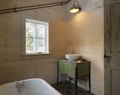 Winter Cabin rustic-bathroom