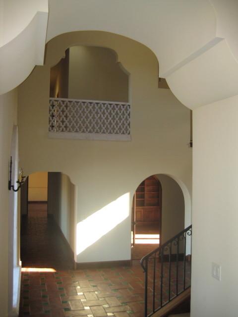 Villa Laguna Entry mediterranean-entry