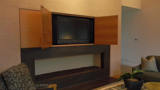 Surprise, there's a Flat Screen! contemporary