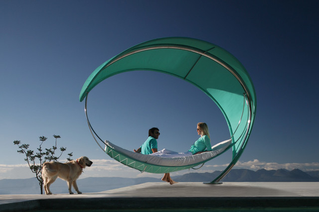 The Wave Hammock eclectic-hammocks-and-swing-chairs