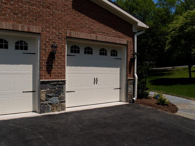 Garage Doors traditional-garage-doors-and-openers