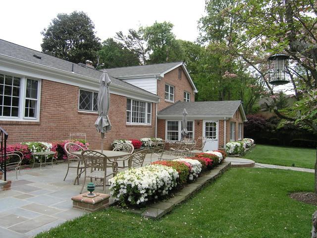 Nantucket Style Shingled House In Potomac, MC traditional