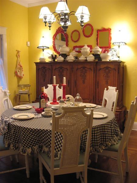 Dear Daisy Cottage- dining room