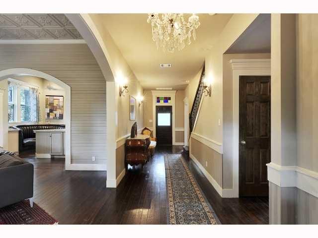 Narrow house interior flow - Narrow house interior design ...