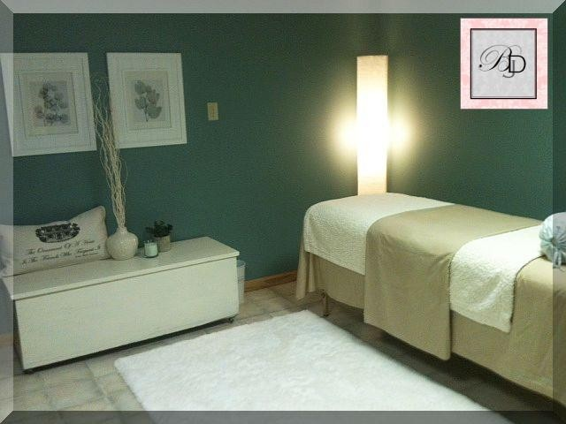 Teal Blue Massage Room