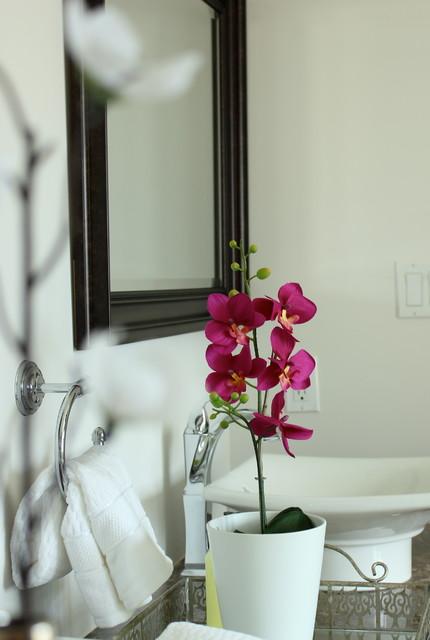 Brampton Home Staging contemporary-bathroom