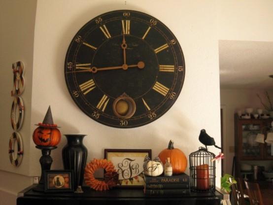 Halloween Mantel traditional