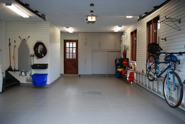 Single Garage, St-Jerome, QC contemporary-garage-and-shed