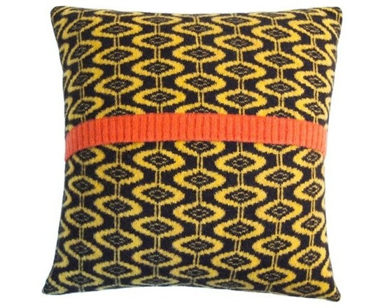 Ellipse Cushion - Ebony -