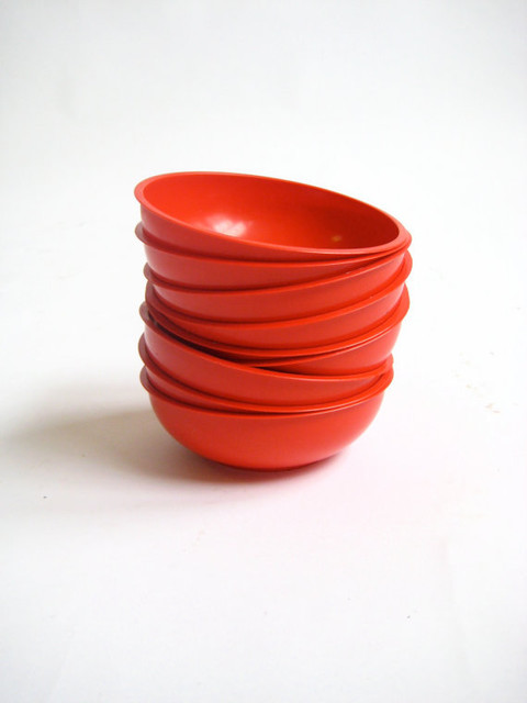 Red Plastic Bowls by backgarage on Etsy - Dining Bowls - by Etsy
