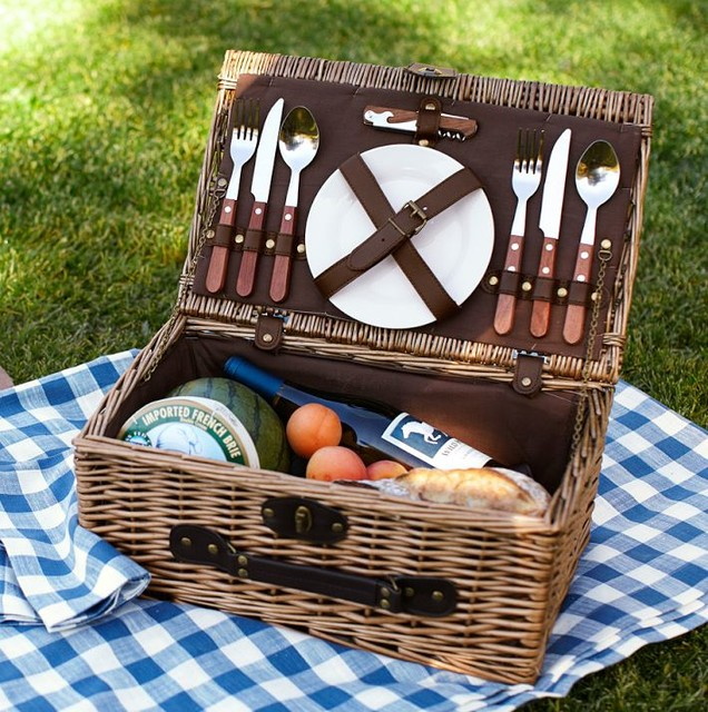 Rattan Picnic Basket for Two traditional-picnic-baskets