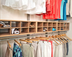 Organized Living freedomRail Cypress Live Reach-in Closet