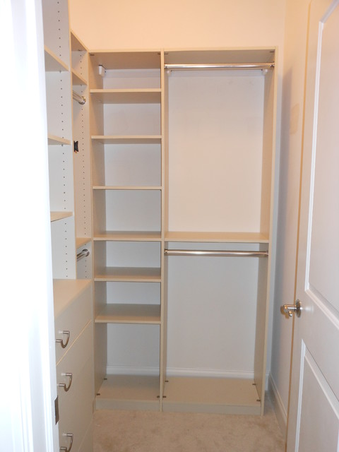 Custom closets installed walk in closet contemporary for Closet organizer small closet