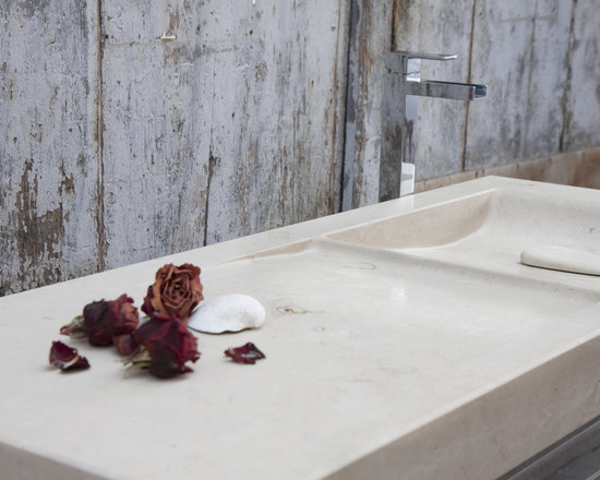 ONDA Sink - Material choices to fit your space include Bianco Carrara, Bardiglio Nuvolato, Crema Luna, Rosso Collemandina, Calacatta Caldia or Onice Arcoiris. Available in custom size or standard size120cm x 47.5cm x 8cm. Weighs 21kg. Access to this sink and our full catalog of hand-chiseled natural stone is available at theverostone.com