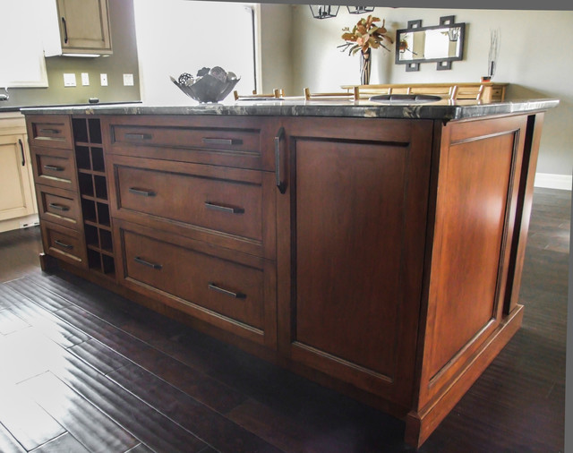 The custom kitchen traditional-kitchen-cabinets