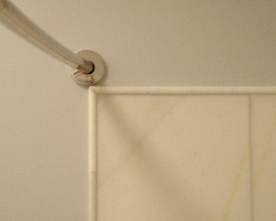 Kohler - Kohler curved shower Rod for more space - Expanse®