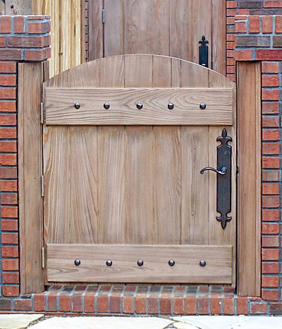 Doors by Decora - Old World Collection - DbyD3026 traditional fencing