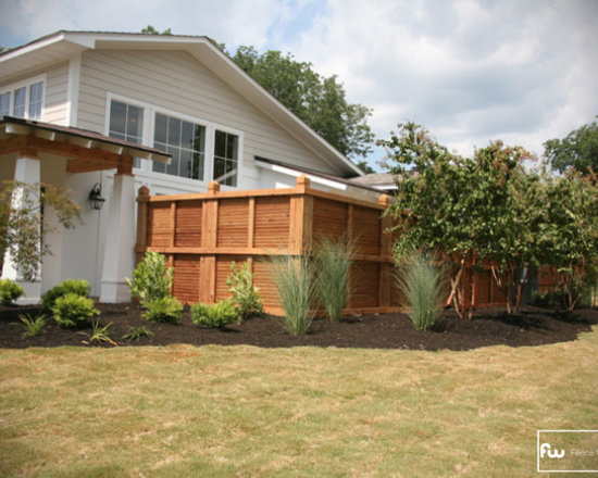 The Pearl Wood Privacy Fence - Here are some images of a custom wood privacy fence installed by Fence Workshop™.