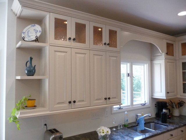 Ugly cabinets no more traditional kitchen cabinetry for Upper kitchen cupboards