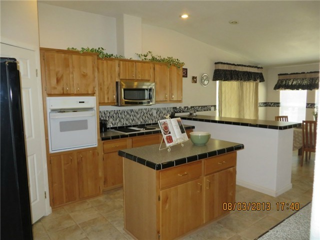 Home for Sale in Bothell Washington kitchen