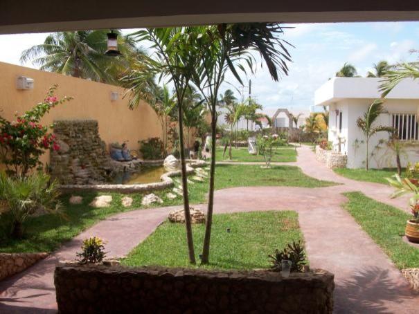 Dorothy and Gord's Chuburna Mexico Landscape Design tropical-landscape