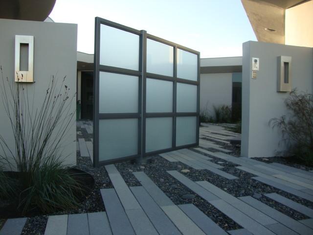 Exterior: Pivot Gate