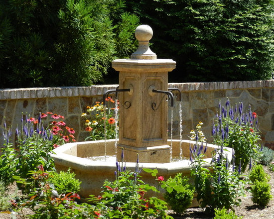 Installations - Virginia- Hand carved travertine marble palazzo fountain with copper spouts
