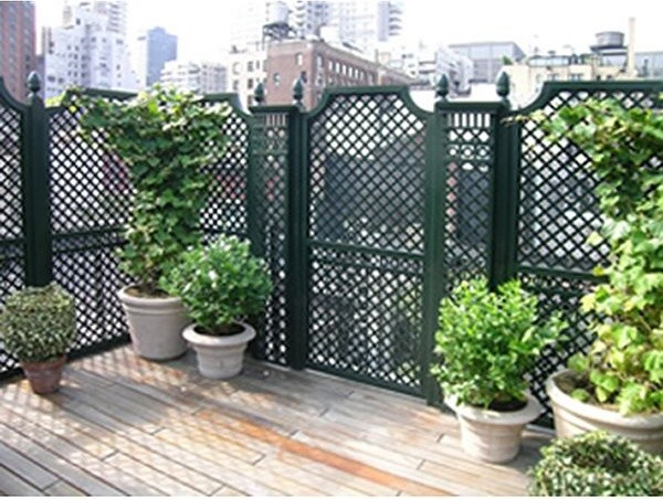 Outdoor wood privacy trellis home fencing and gates for Trellis ideas for privacy
